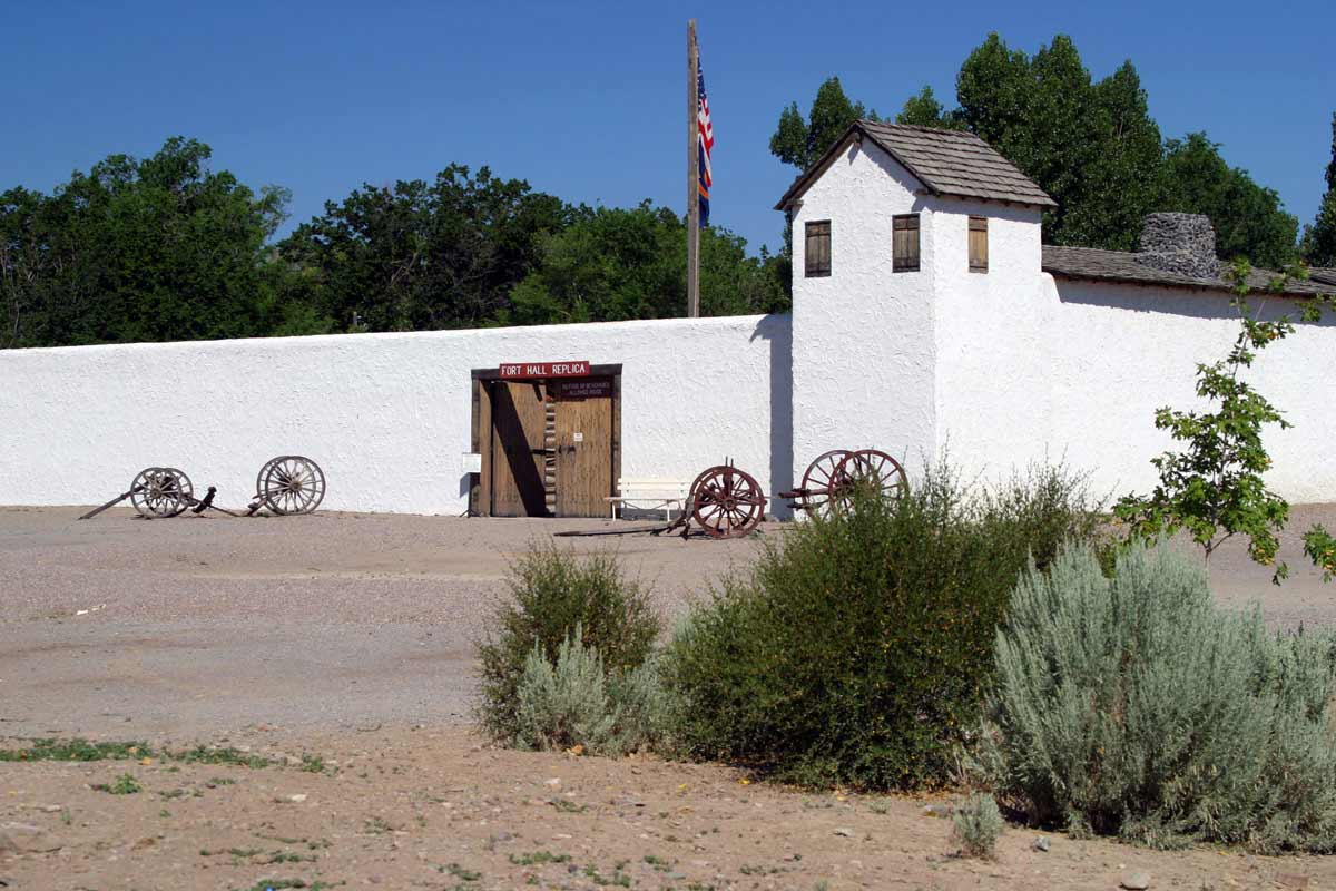 fort hall Fort hall was established by nathaniel jarvis wyeth, an inventor and businessman from boston, massachusetts, as a trading post on the snake river in the eastern oregon country, part of.