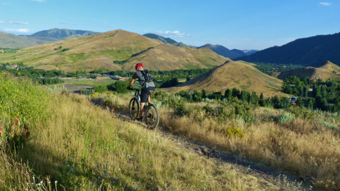 Mountain biking on White Clouds trail in SV_