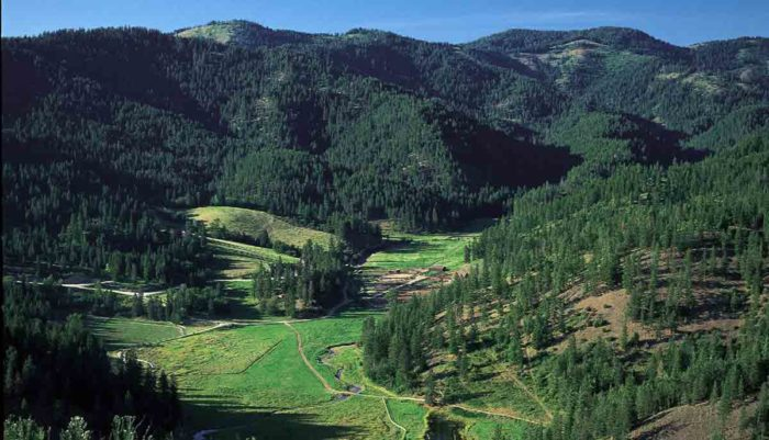 Red-Horse-Mountain-Ranch-3