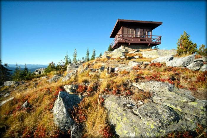 Shorty Peak Lookout. Photo Credit: Tine Hemmeryck