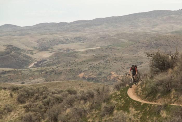Mountain biker in Boise Foothills.