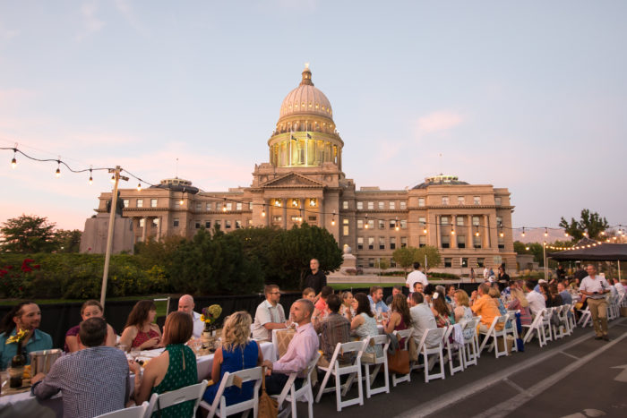 outdoor dining in front of capitol