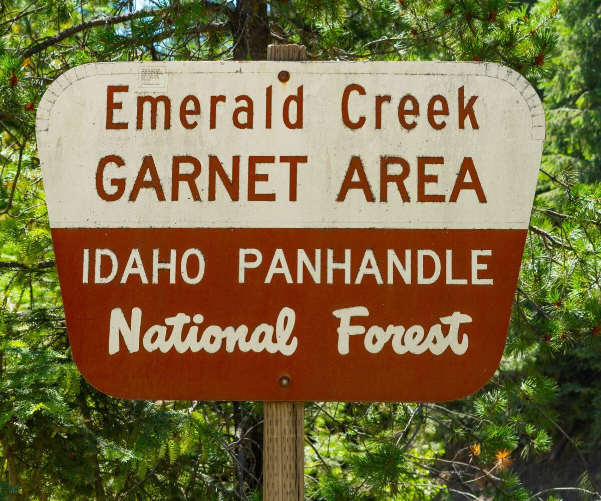 Digging for Idaho's Star Garnets | Visit Idaho