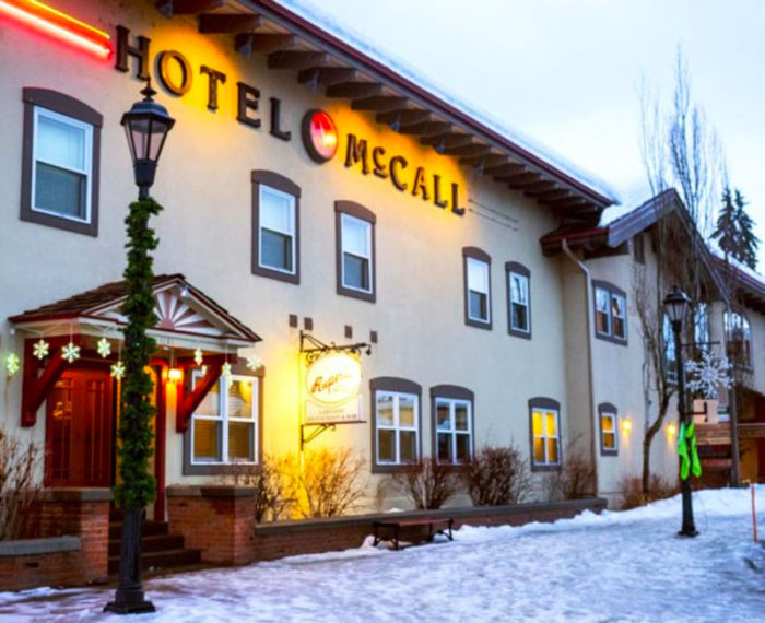 exterior of hotel mccall