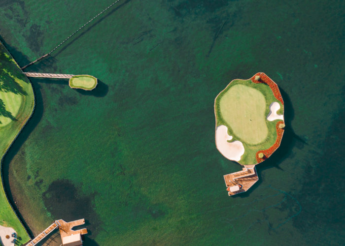 floating green golf course coeur d'alene