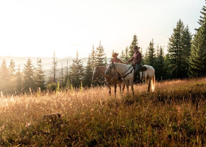 woman on horse western pleasure guest ranch