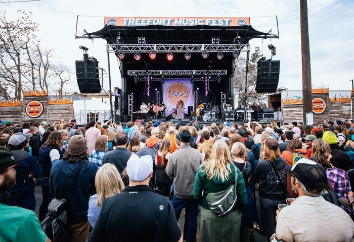crowd in front of treefort stage