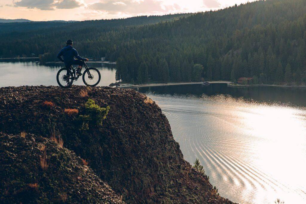 mountain bike rider at osprey point in ponderosa state park